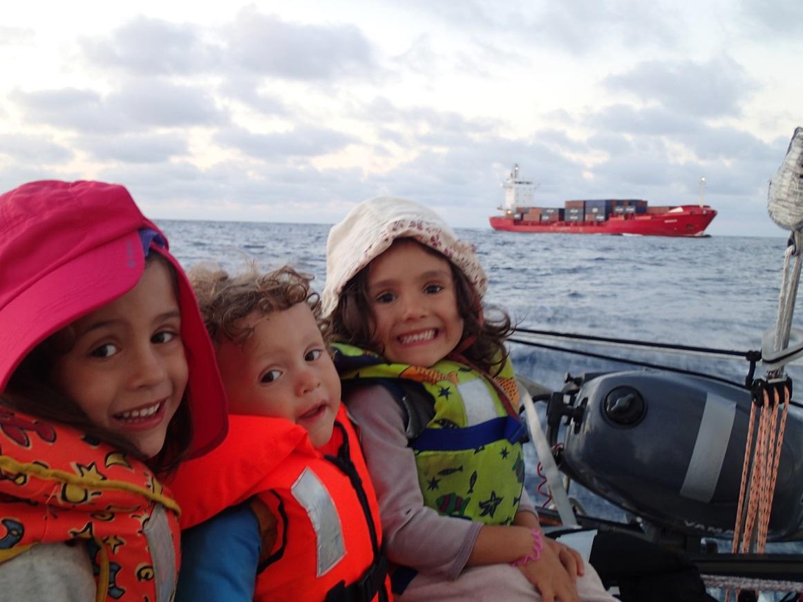 les enfants en bateau